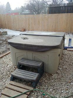 Four person hot tub Thumbnail