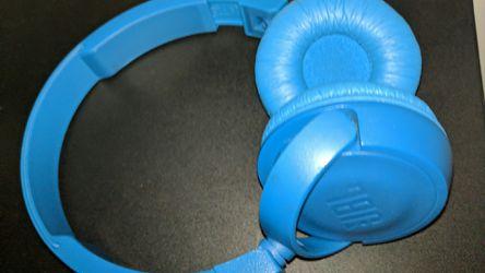 JBL Wireless Headphones Thumbnail