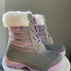 Size 6: Toddler Snow Boots & Toddler Suede Booties Thumbnail
