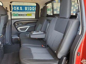 2016 Nissan Titan XD Thumbnail