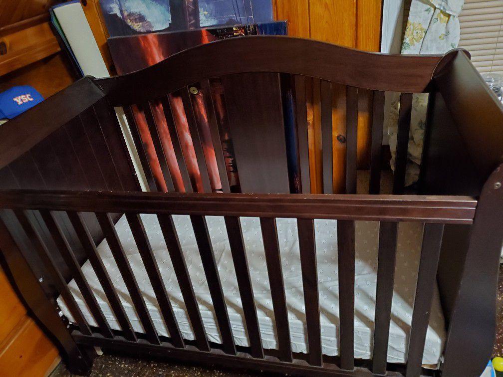 Crib/ Day Bed