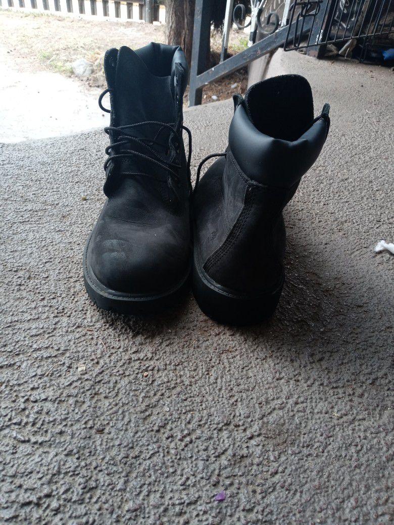 Size:6 Timberland Boots