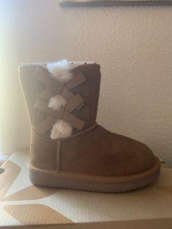 Kids UGG Boots  Thumbnail