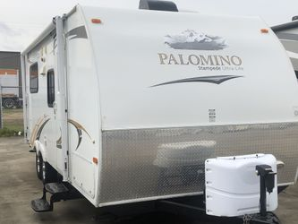 2011 Palomino Bunkhouse Stampede M-216 Used Travel Trailer RV Thumbnail