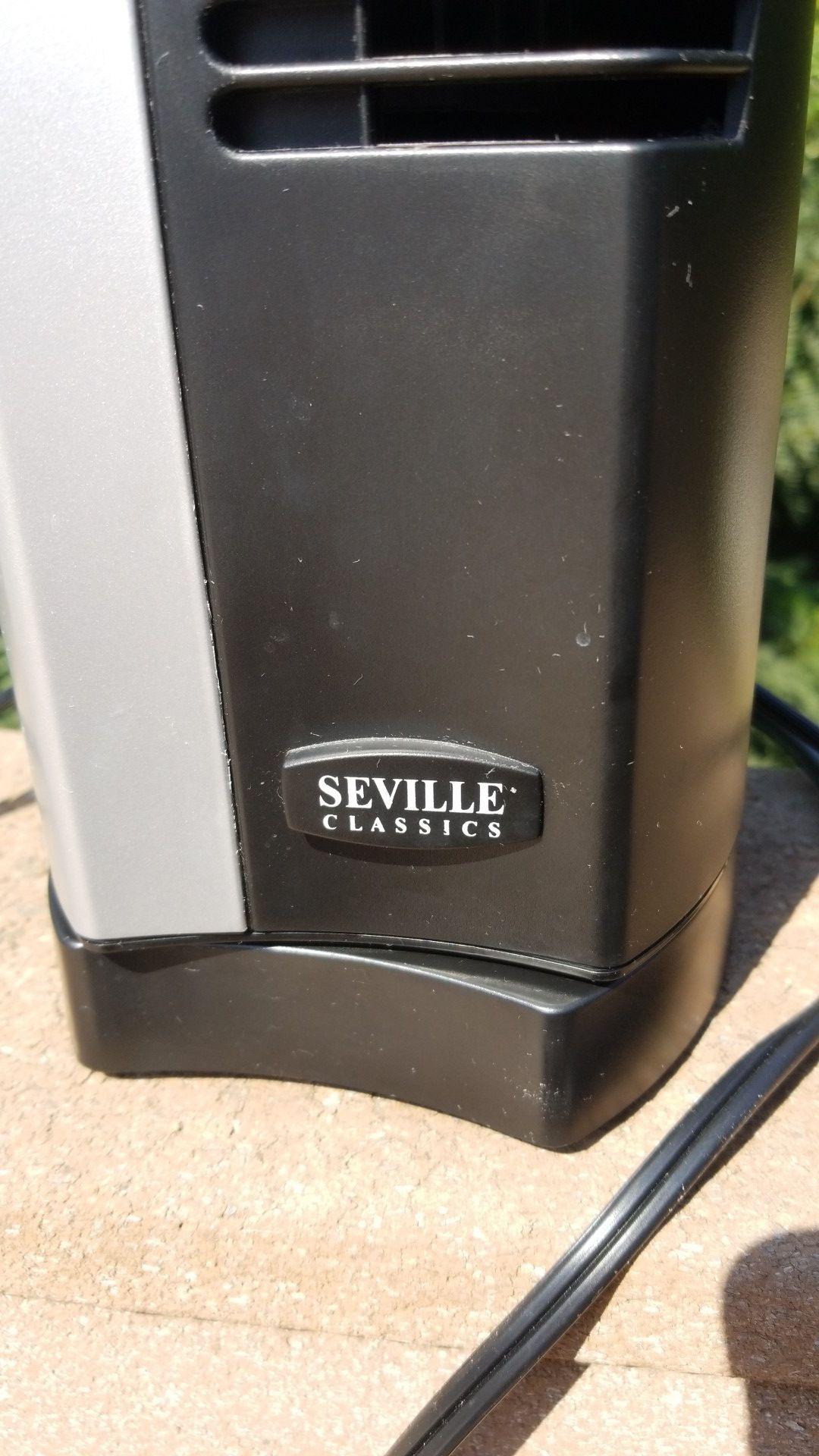 Seville Classics Desk Fan