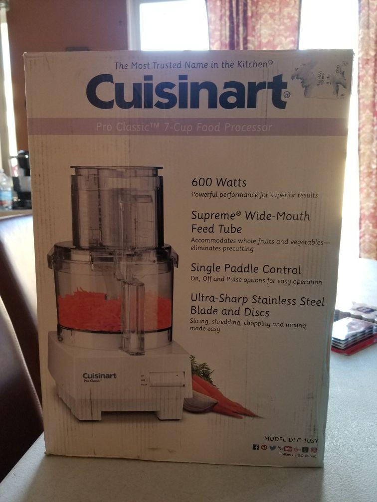 Cuisinart 7 cup food processor - New
