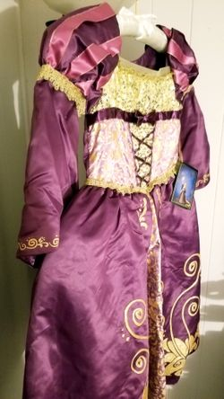 Rapunzel Dress 5/6 Thumbnail