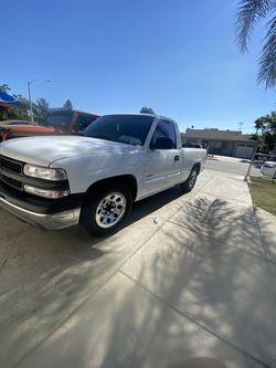 2001 Chevrolet Silverado Thumbnail
