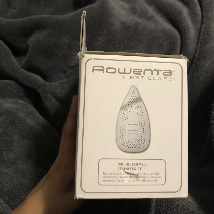 NEW Rowenta Travel, Double Voltage Steam Iron