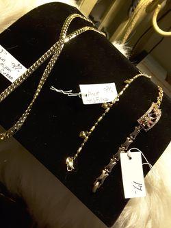 Chain & 2 Bracletes 17$-27$ Thumbnail