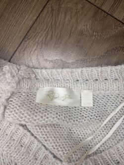 RD Style X Francesca's V Neck Poncho Sweater Thumbnail