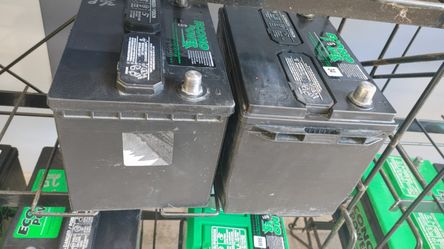 INTERSTATE Car And Truck BATTERIES - Great Price With Warranty Thumbnail