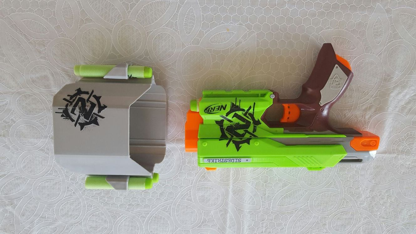Nerf Zombie Strike Gun With Holster