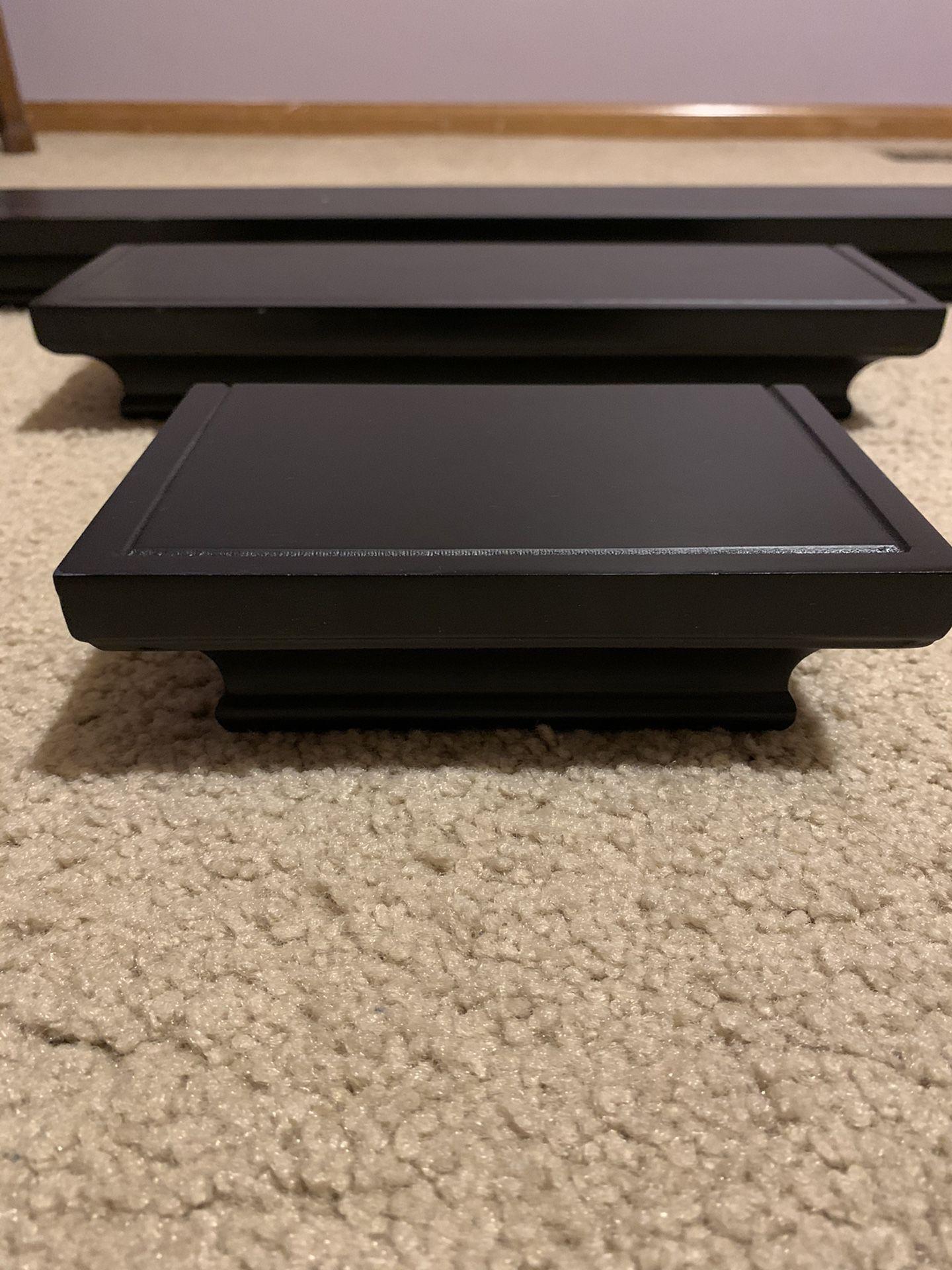3 floating shelves