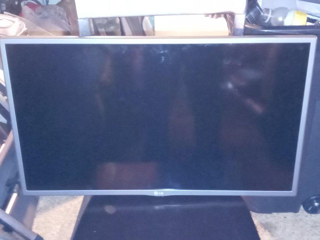 LG 32IN DIRECT LED HDTV 1080P PRO