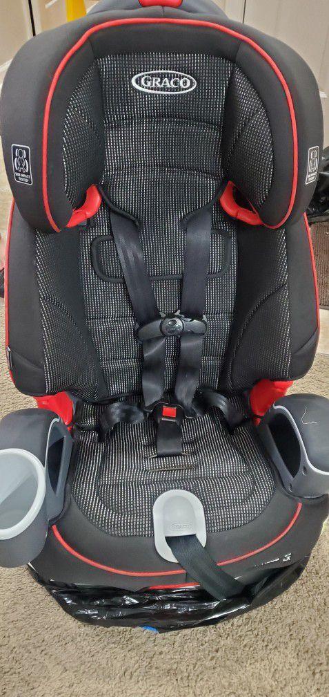 Graco's Nautilus 65 LX 3-in-1 car seat