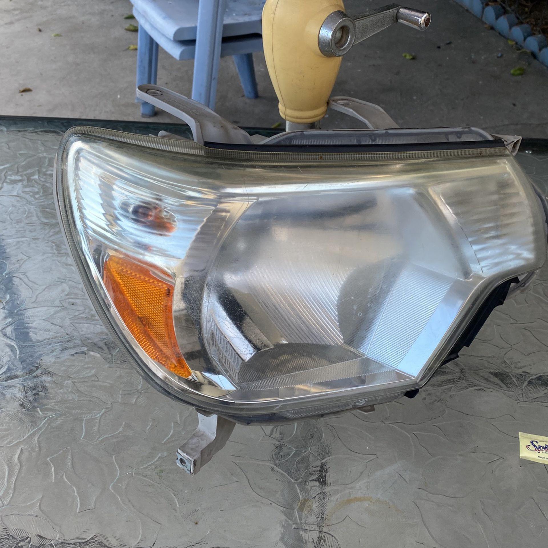 Headlights For Toyota Tacoma 2015–2017