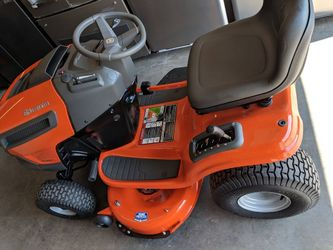 New Husqvarna YTH18542 18.5-HP Hydrostatic 42-in Riding Lawn Mower Thumbnail