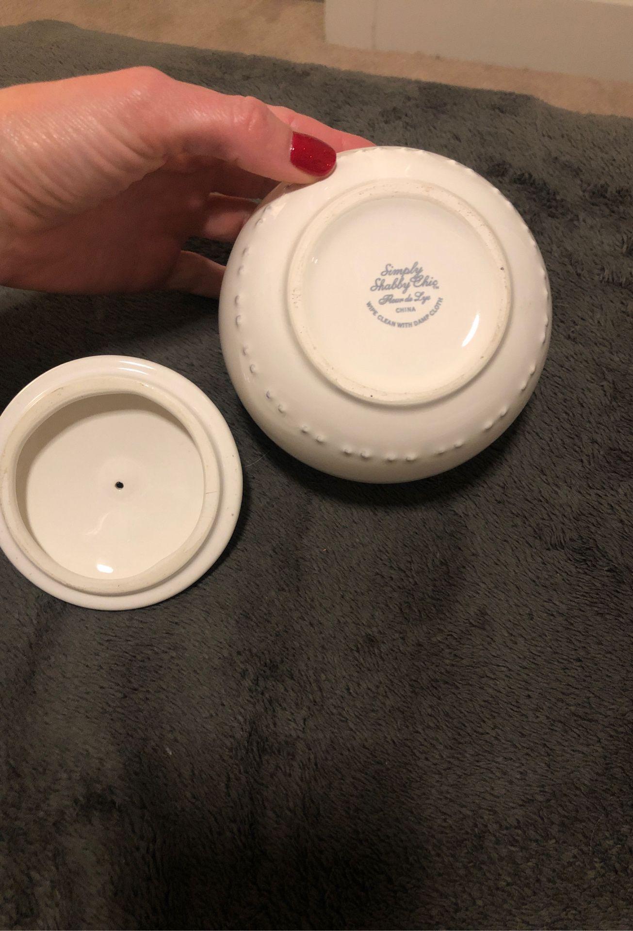 Simply shabby Chic bathroom jar