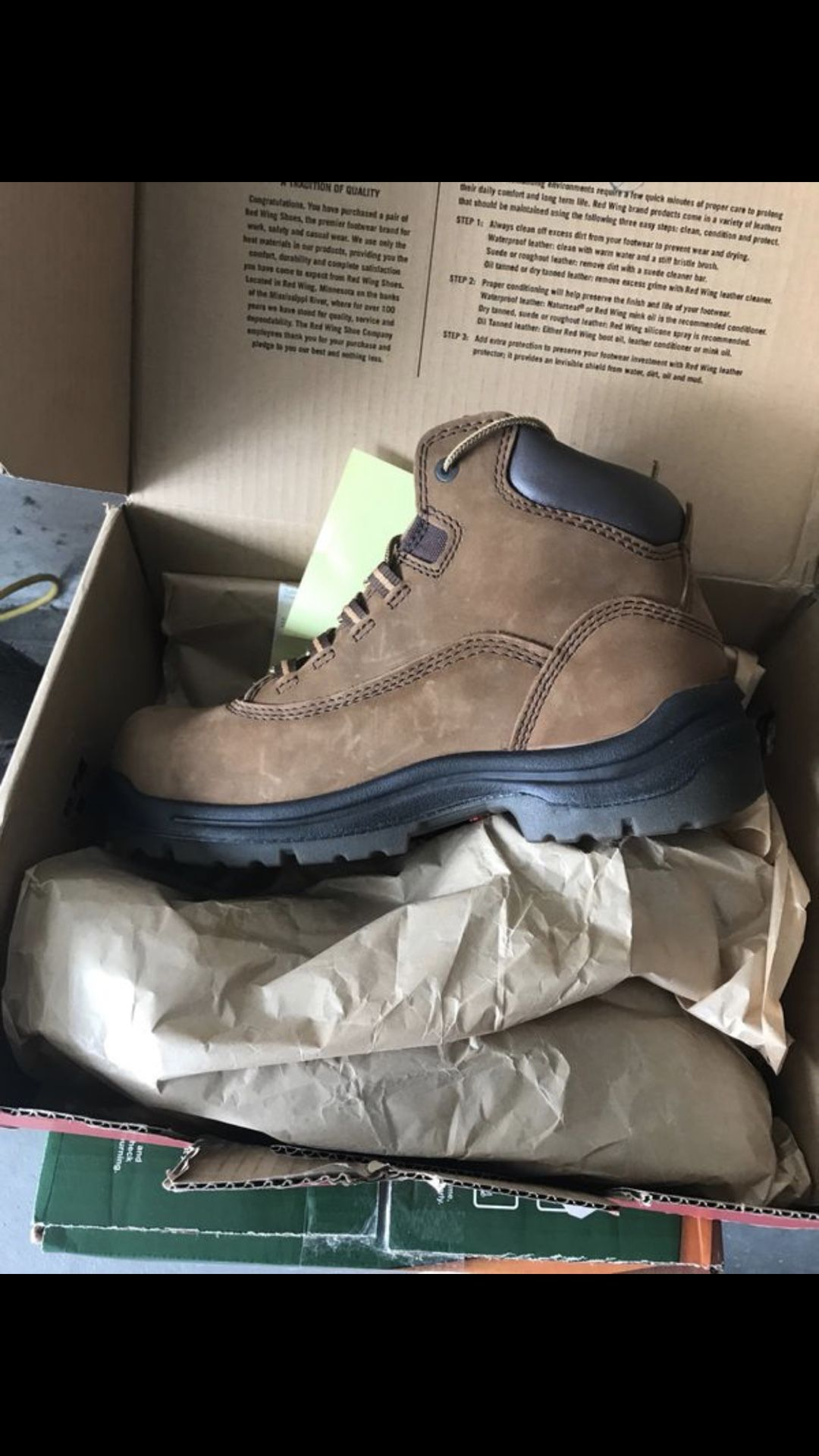 Size 10 Irish setter boots from red wing