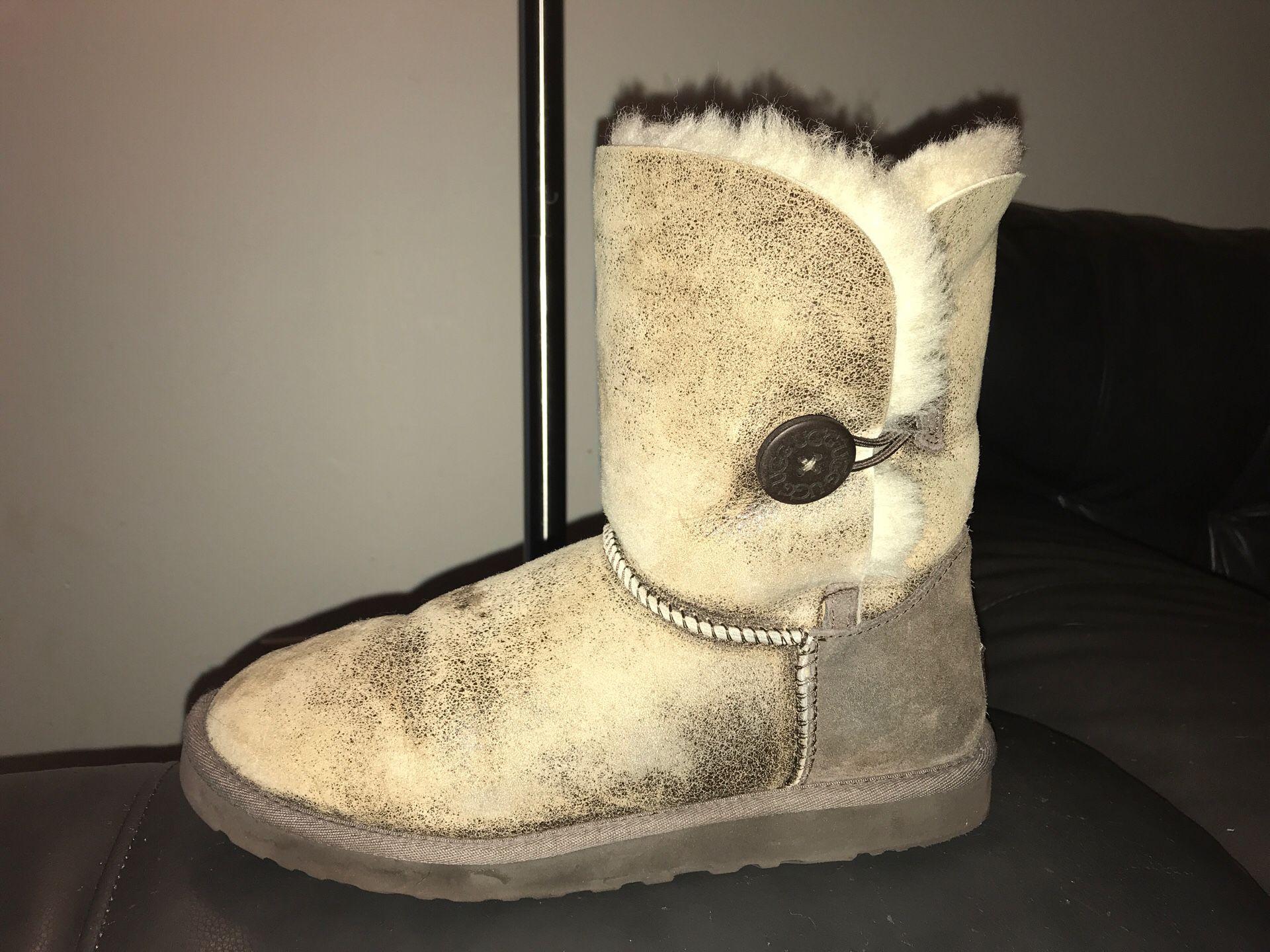 UGG Bailey Button Winter Boots Dark Chestnut Women's Size 10