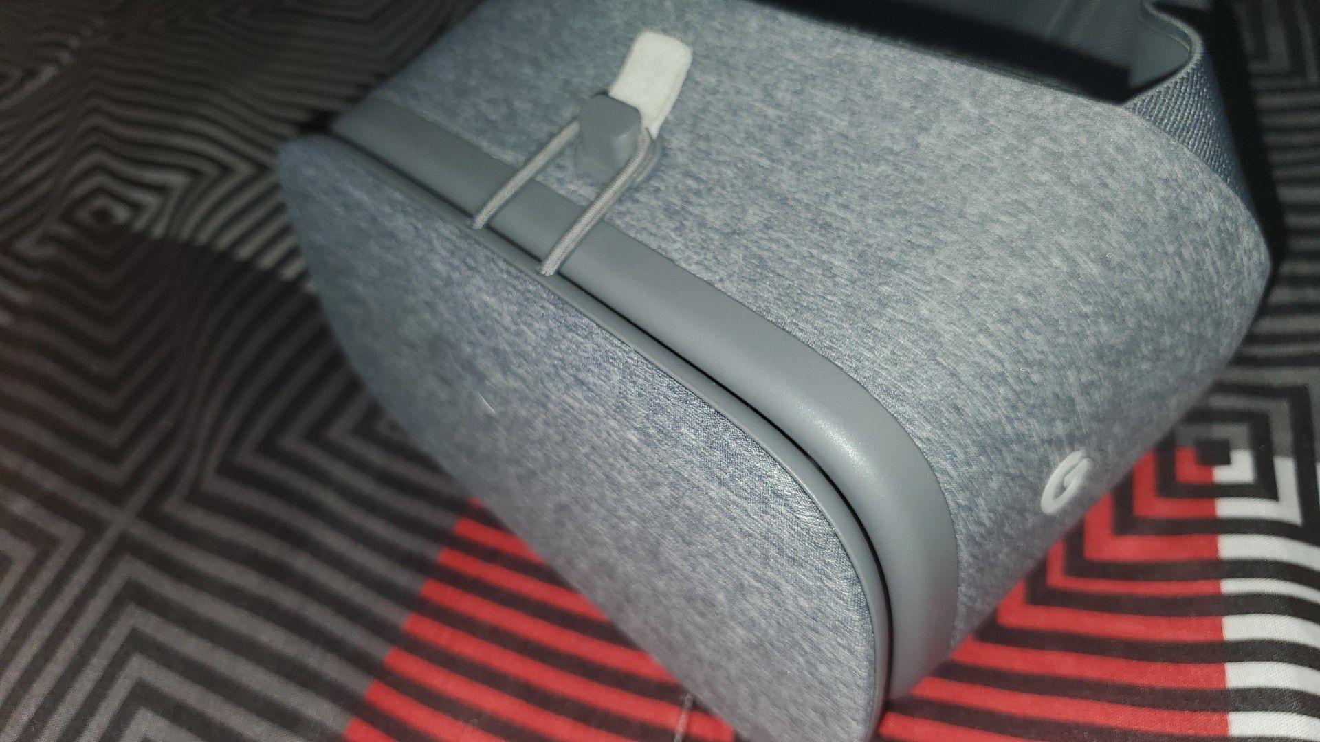 Google - Daydream View VR Headset - Slate