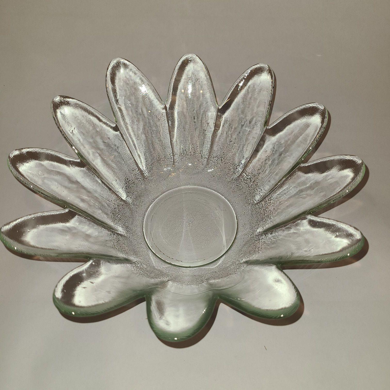 "9"" Glass decorative bowl"
