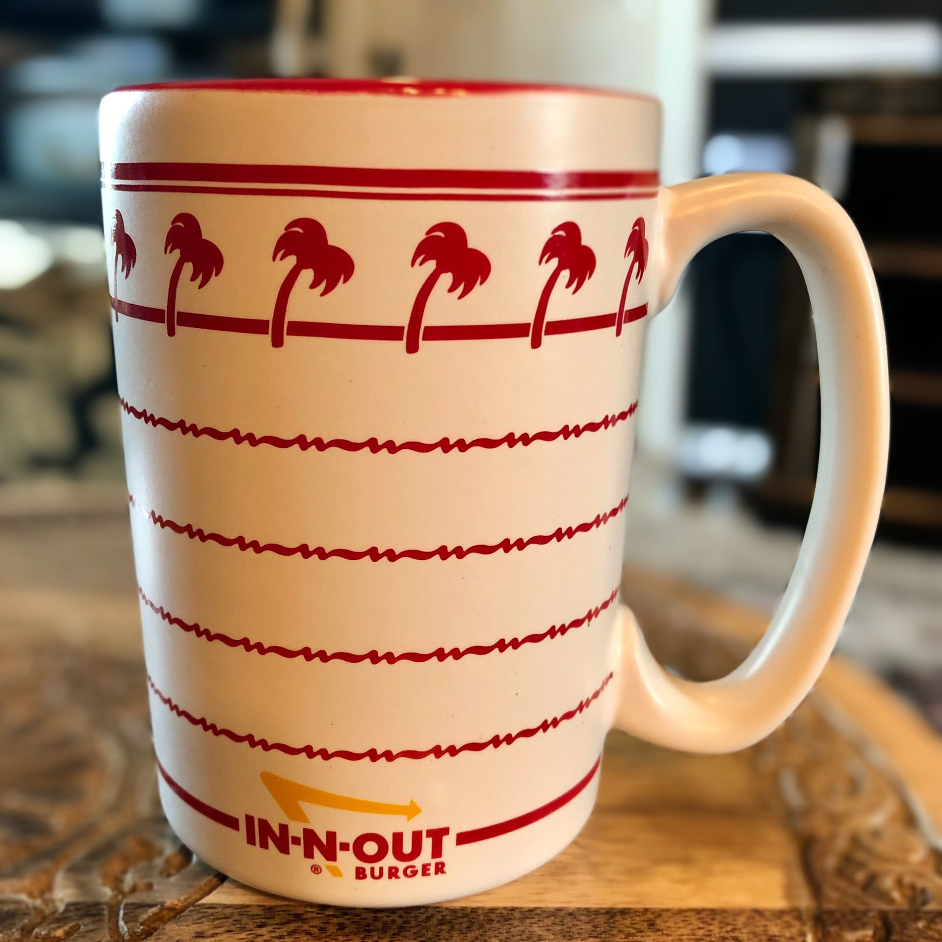 In-N-Out Burger Coffee Mug Cup Ceramic Palm Trees 12oz