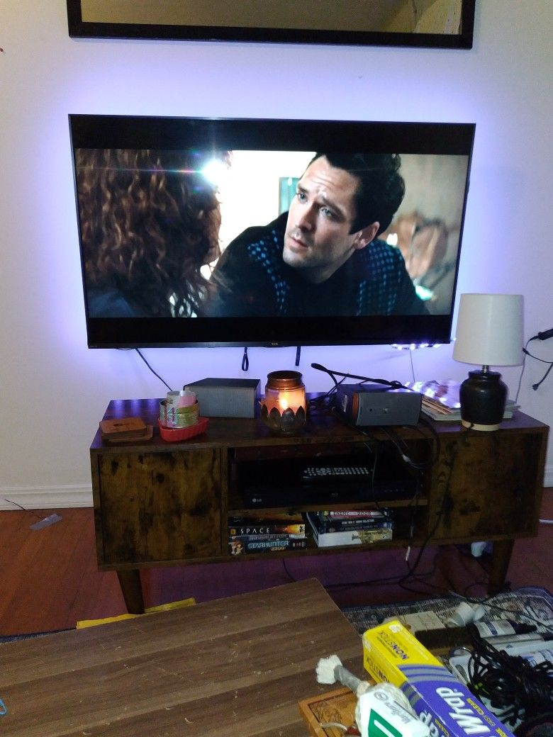 TCL 6 Series 55 Inch. Flawless. Comes W_wallmount &stands