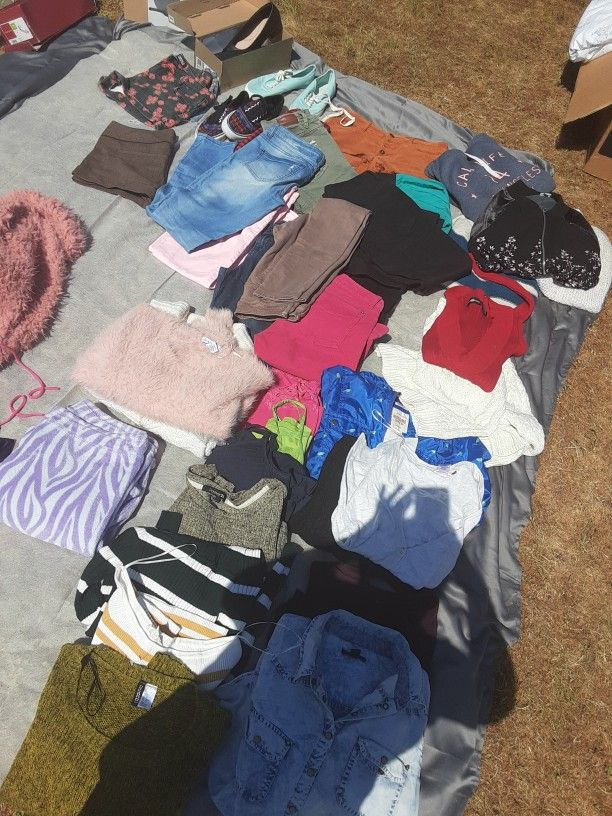 Womens Clothes $3 , $5, $7, $10