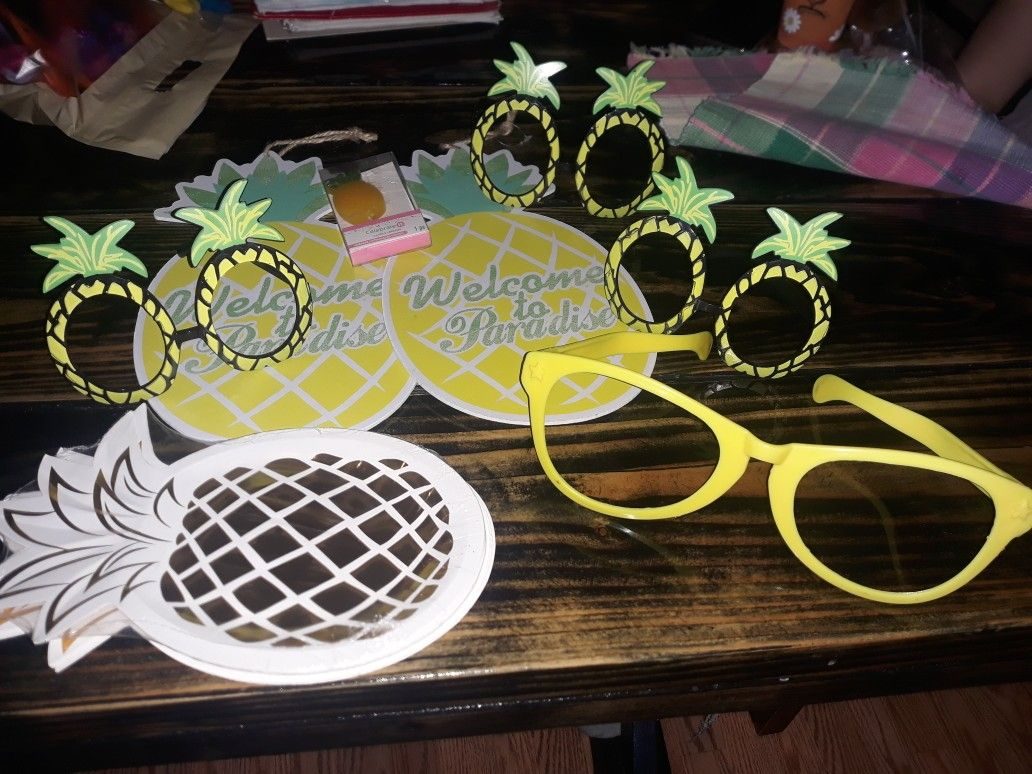 Pineapple party Decorations Available anytime $5