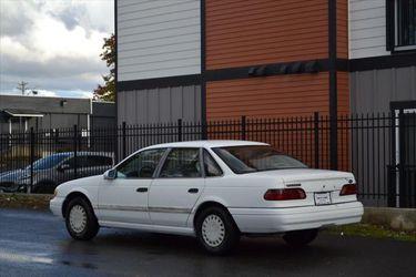 1993 Ford Taurus Thumbnail