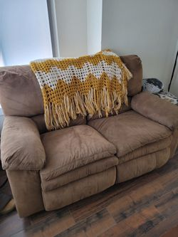 Reclining Couch And Love Seat Thumbnail