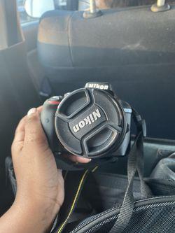 Nikon D3300 comes with 2 lenses Thumbnail