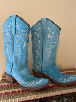 Pretty Cowgirl Boots Thumbnail