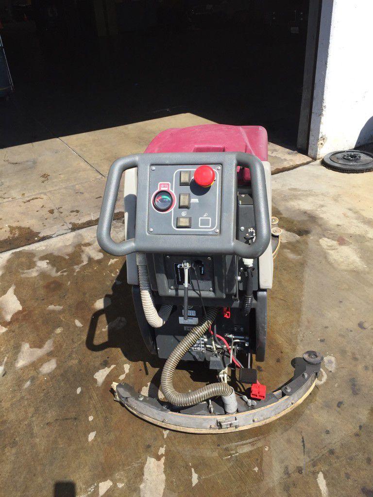 Minuteman 200X Floor Scrubber