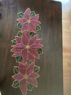 Beaded green and red table runner Thumbnail
