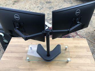 Dell UltraSharp 24 Monitor - P2419H Dual Monitor Setup Thumbnail