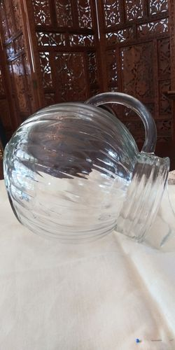 Glass leaning round pitcher - 10 cups capacity Thumbnail