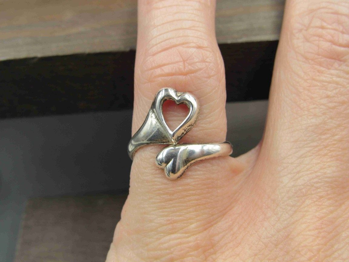 Size 5.5 Sterling Silver Tarnished Worn Hearts Band Ring Vintage Statement Engagement Wedding Promise Anniversary Bridal Cocktail Friendship