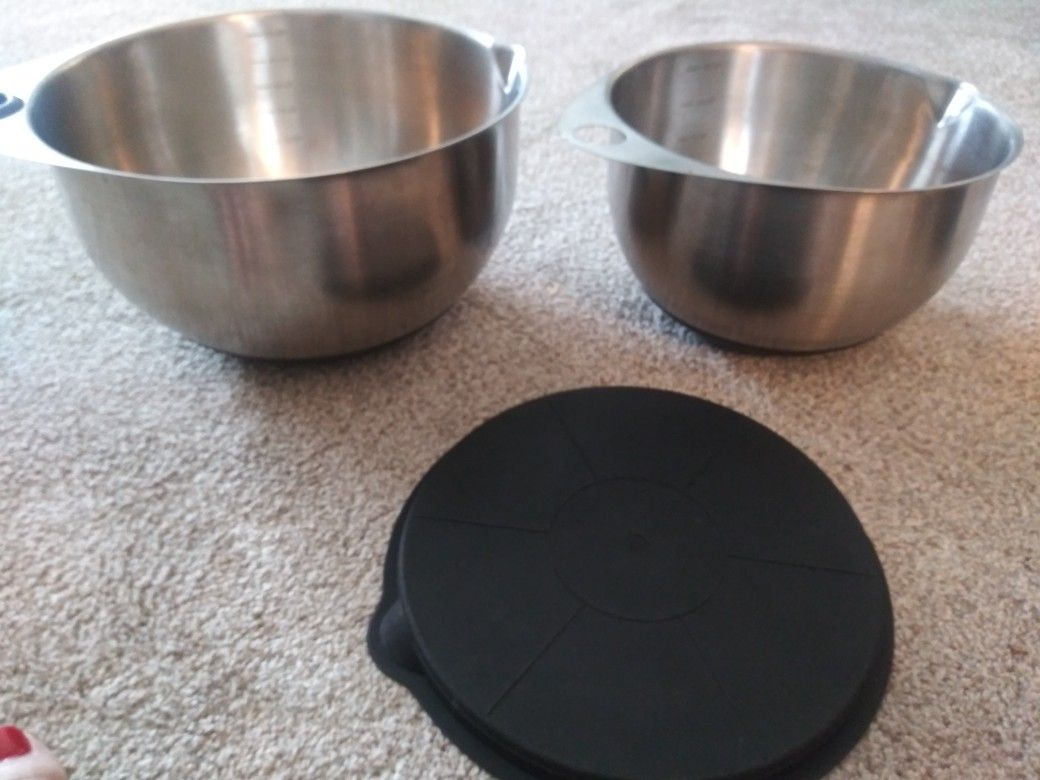 3 pc pampered chef mixing measuring bowls