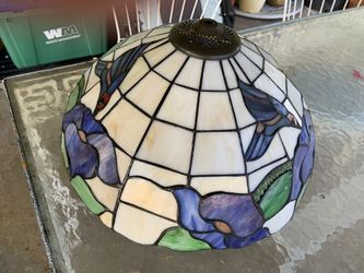 Stained glass hanging light Thumbnail