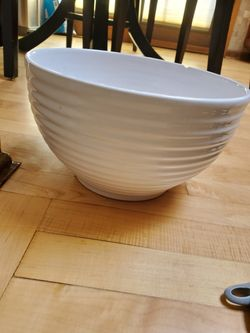 White mixing bowl Thumbnail