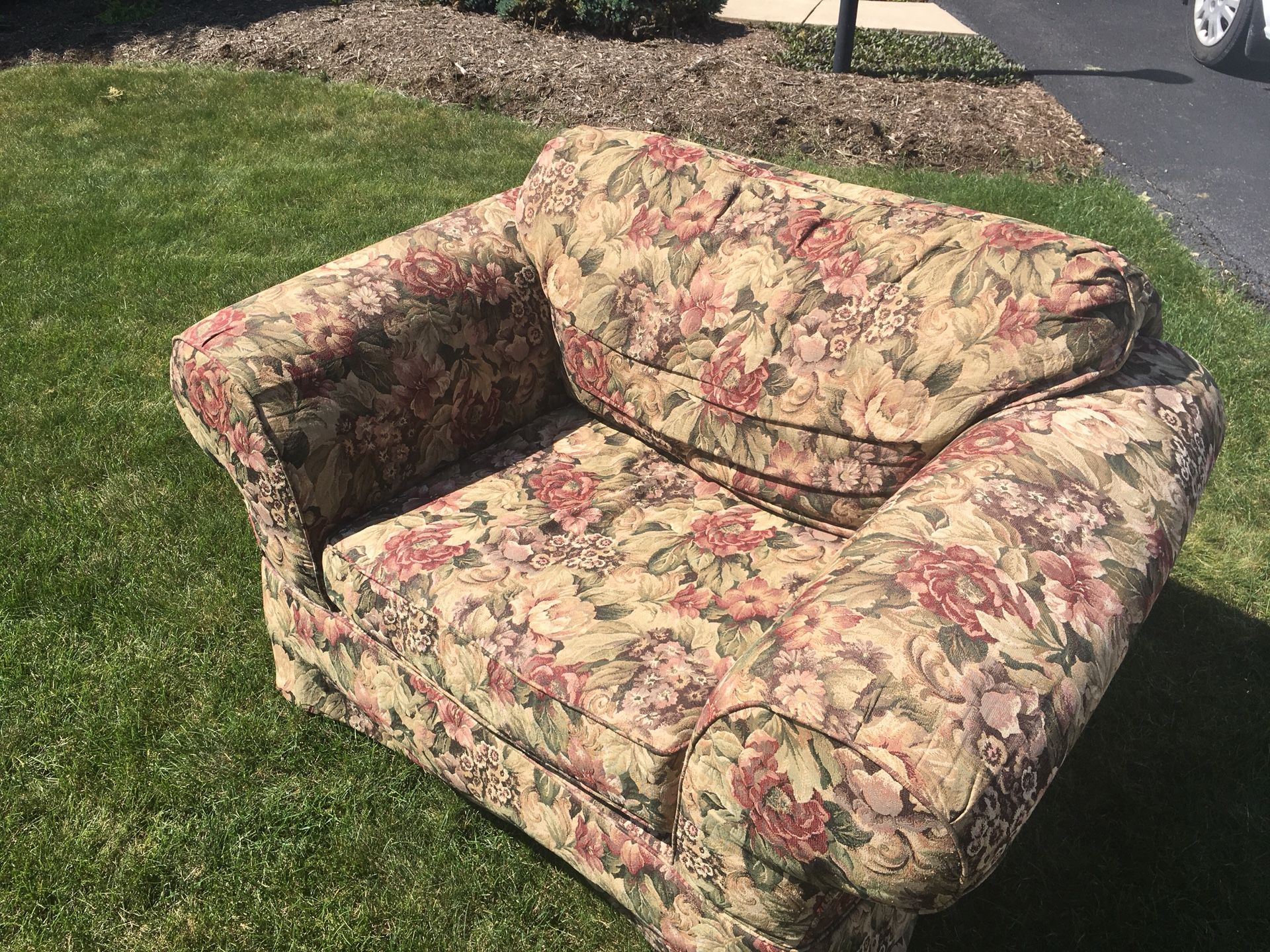 FREE Oversized Chair Sofa Couch