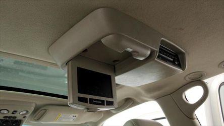 2004 Cadillac Escalade Thumbnail