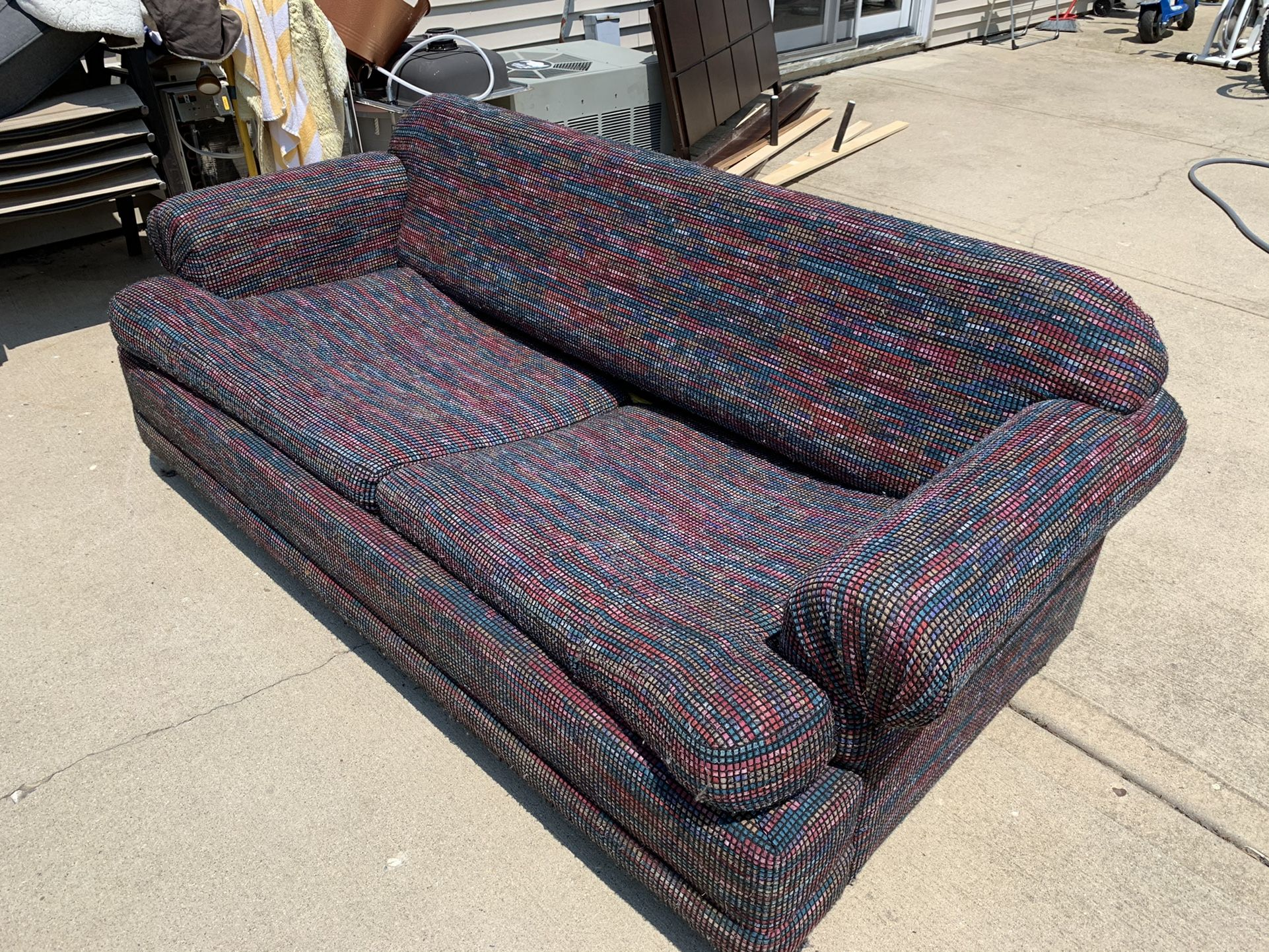 Free Couch  Folds Out To Bed