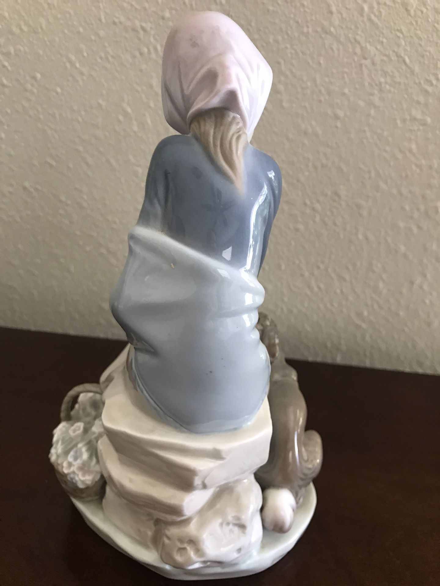 """Lladro """"Jealousy"""" Collectible Figurine #1278"""