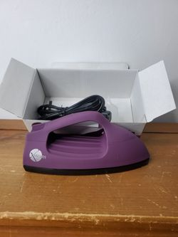 Steam Travel Fabric Steam iron in clean and excellent condition Thumbnail