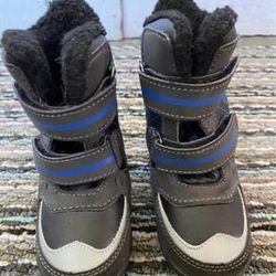 Totes 5T Snow Boots Thumbnail