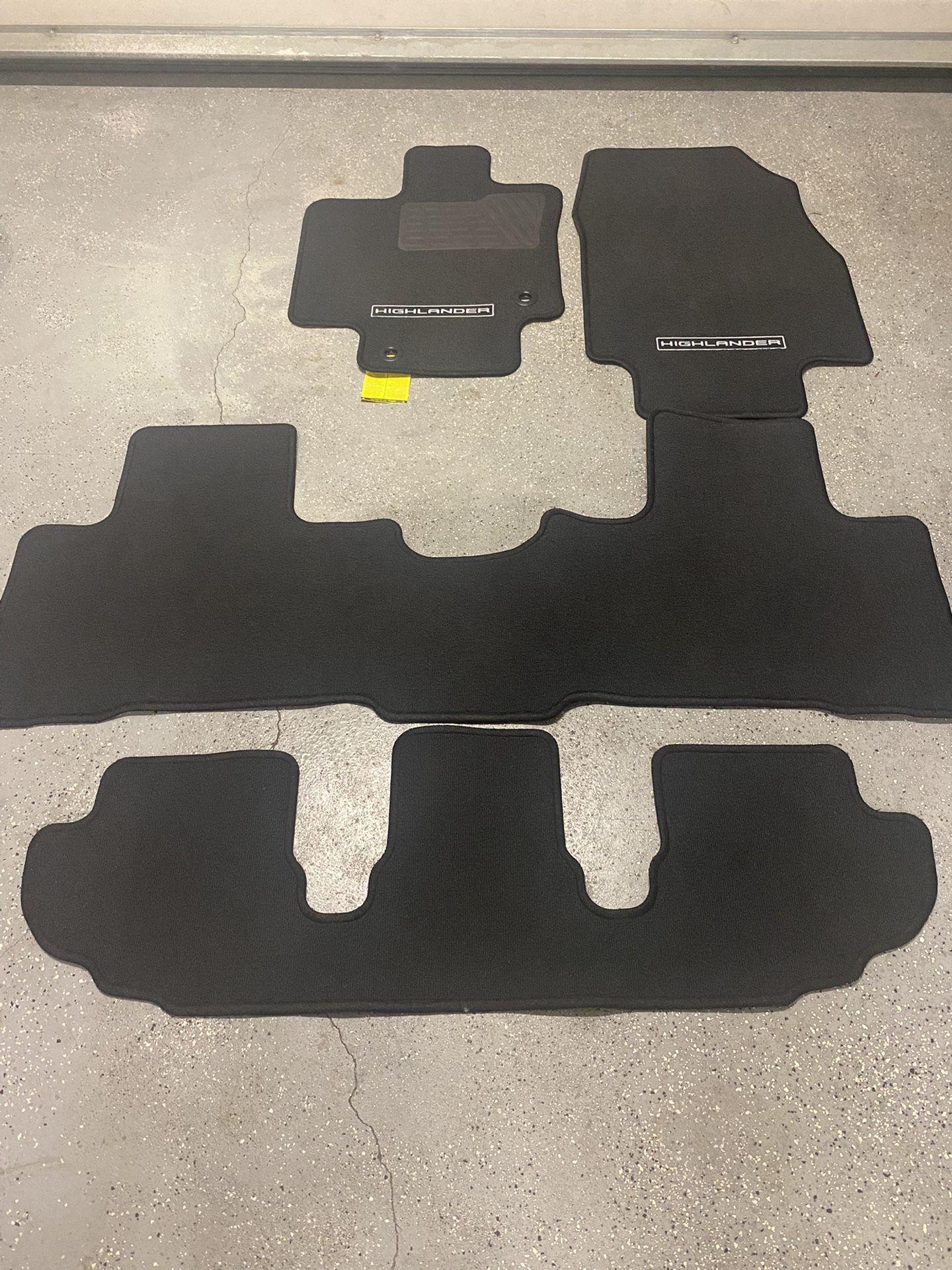 2021 Toyota Highlander Carpeted Floor Mats